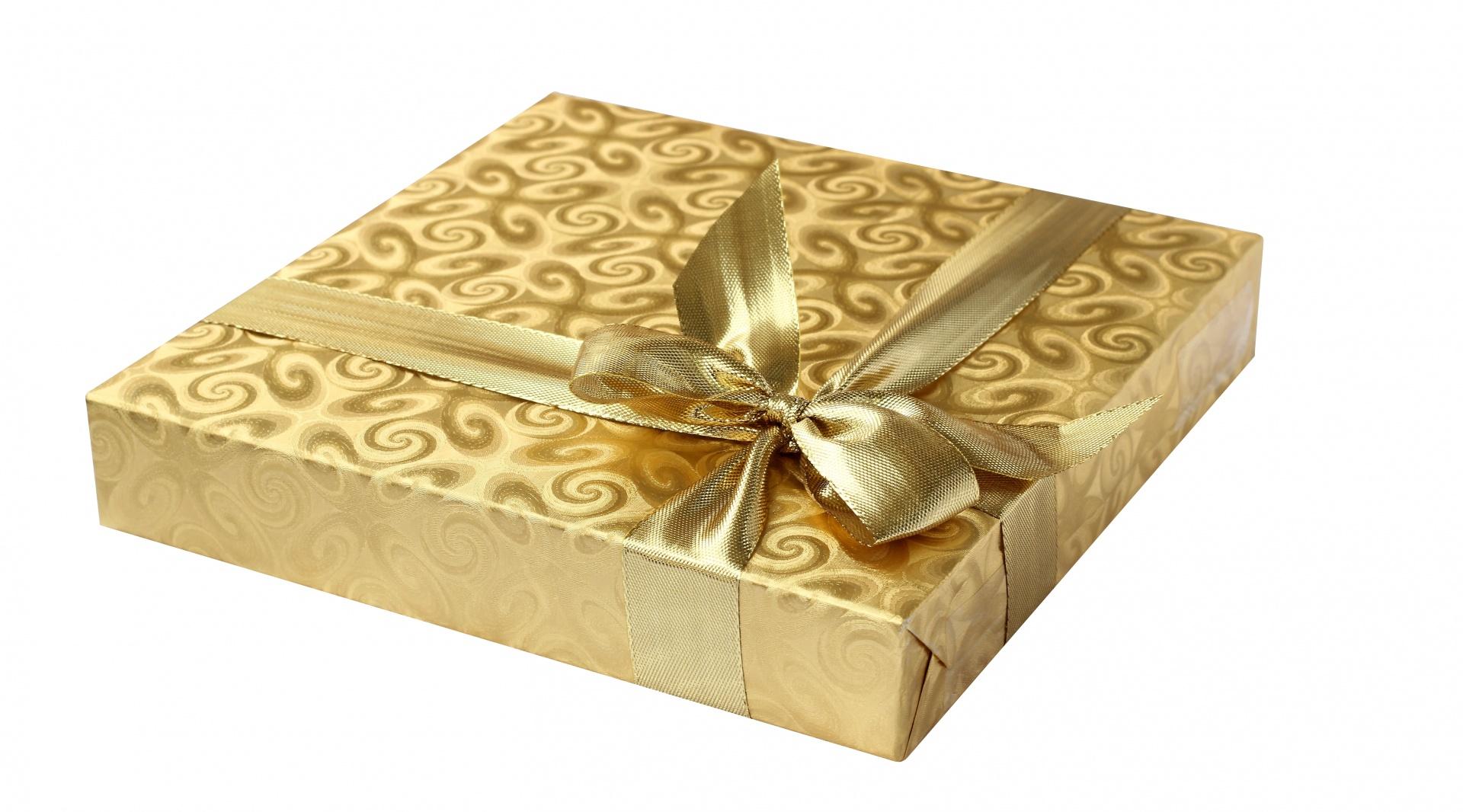 gift-box-gold-ribbon