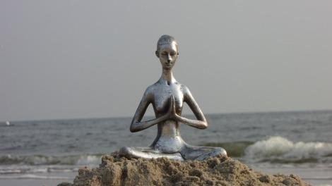 yoga-3045559_1920