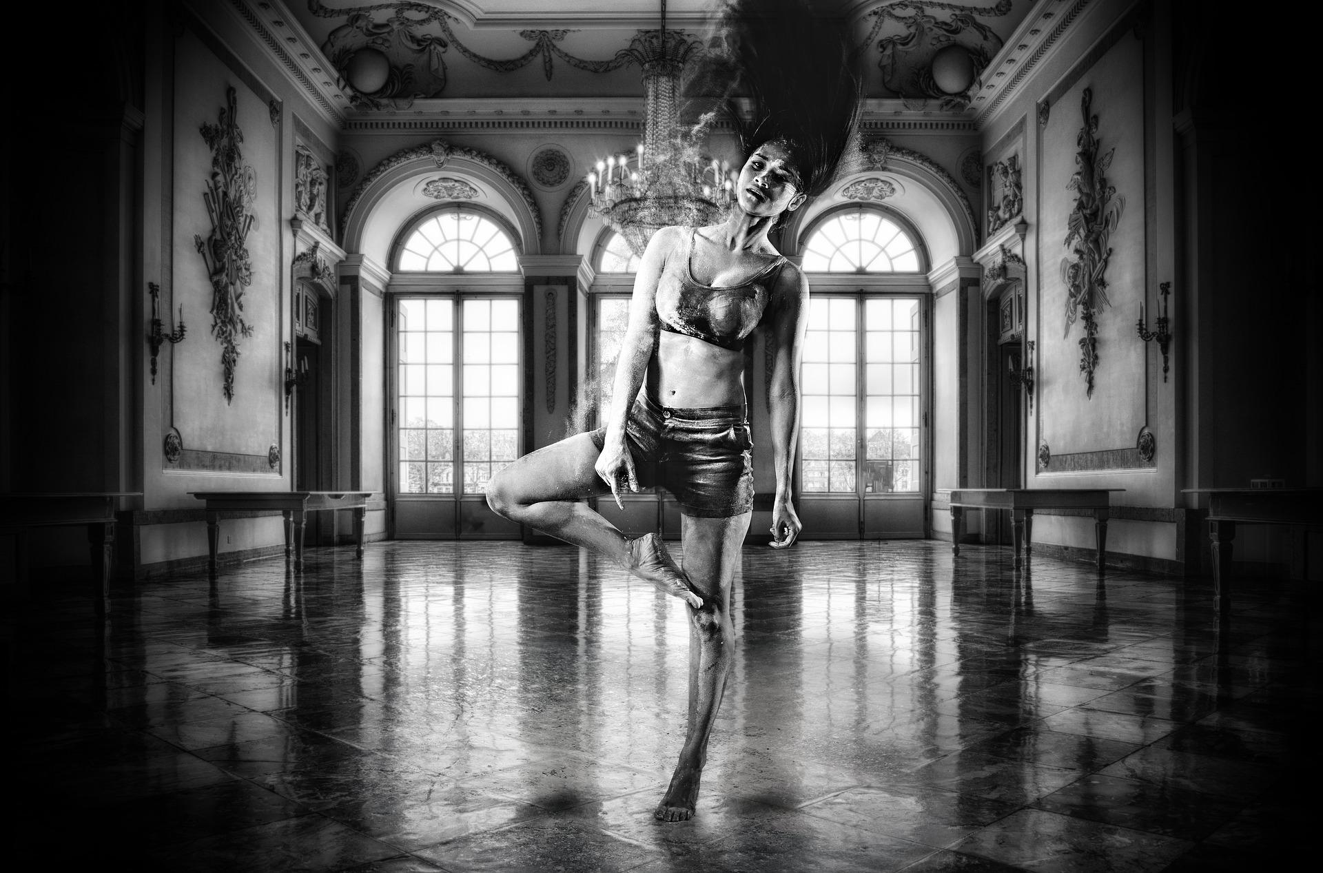 dancer-4691954_1920