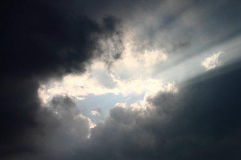 dark-clouds-332779_1920